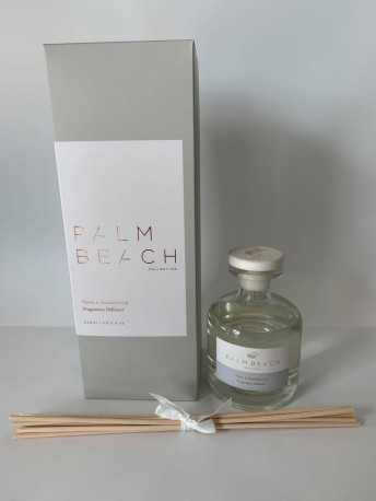 CLOVE AND SANDALWOOD REED DIFFUSER